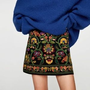 Zara Black Embroidered Floral Mini Skirt
